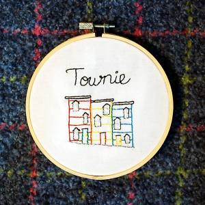 "Modern Nan ""Townie"" embroidery"